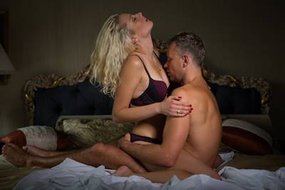 女性にとって気持ちいい乳首の舐められ方
